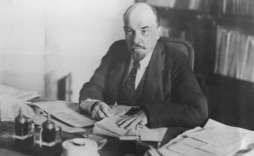 Extraits de Lettres de Loin de Lenine